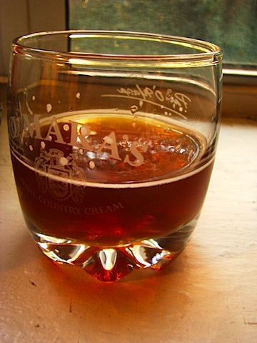 Otro Mundo Red Ale glass 1.jpg